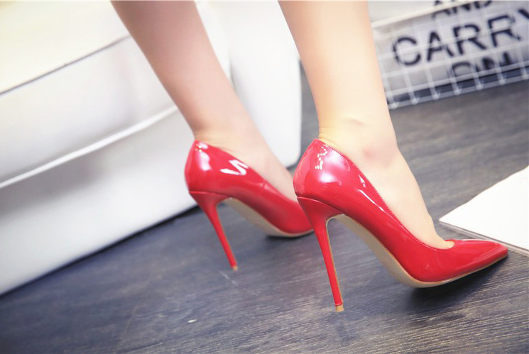 Peg Red Patent Leather Pumps (5)